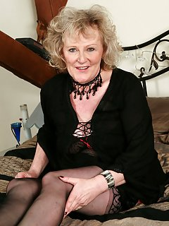 Sexy Mature Granny Pictures