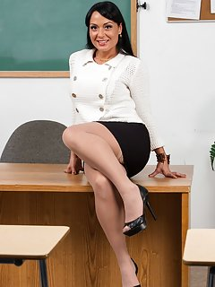 Sexy Mature Teacher Pictures